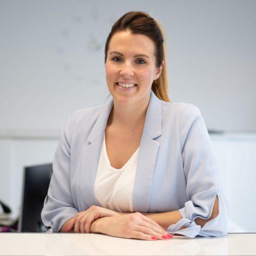Larissa Schöneborn Büroangestellte